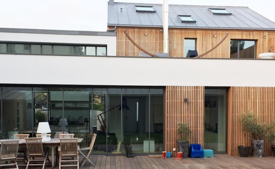 Renovation extension la garenne green river for Maison moderne 74000